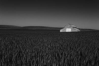 Canon 6d Photograph - Lacrosse Barn by Thomas Hall Photography