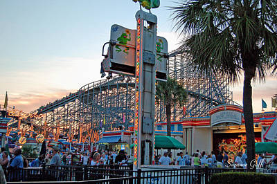 Roller Coaster Photograph - Last Season by Suzanne Gaff