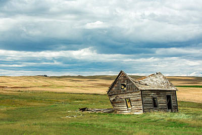 Abandoned Buildings Photograph - Leaving Home by Todd Klassy