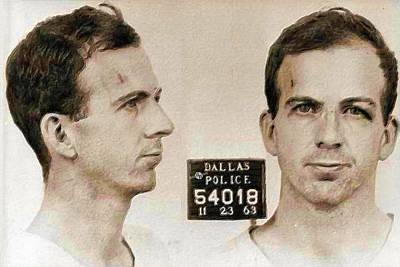 Jail Painting - Lee Harvey Oswald Mug Shot Nov 22 1963 Horizontal Painting by Tony Rubino