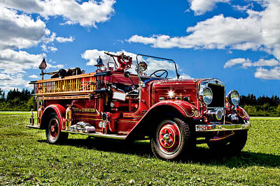 Lewiston Fire Truck Print by Gary Smith