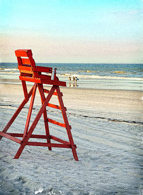 Linda Olsen Photograph - Lifeguard Chair by Linda Olsen