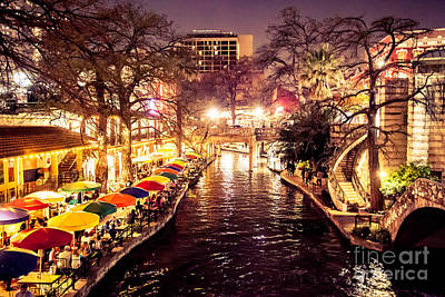 Riverwalk Photograph - Lights In The Riverwalk by Iris Greenwell