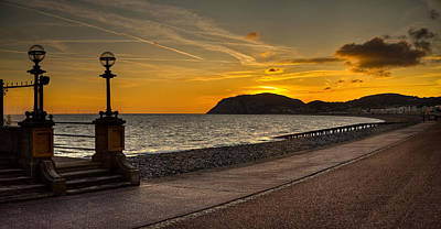 Llandudno Promenade And Little Orme Print by Peter OReilly