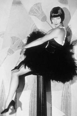 Full Skirt Photograph - Louise Brooks, C. 1929 by Everett