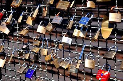 Locket Photograph - Lovers Locks 4 by Noah Cole