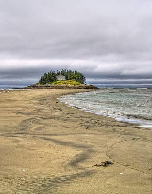Maine Beach Photograph - Low Tide In Popham Beach Maine by Tammy Wetzel