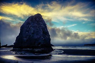 Costal Photograph - Low Tide Meyers Creek Oregon by Garry Gay