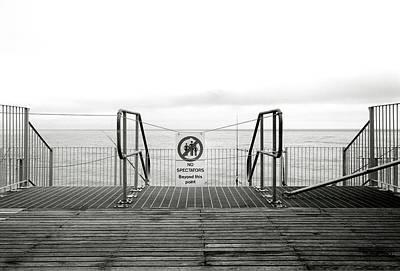 Lowestoft Pier Print by Gerry Walden
