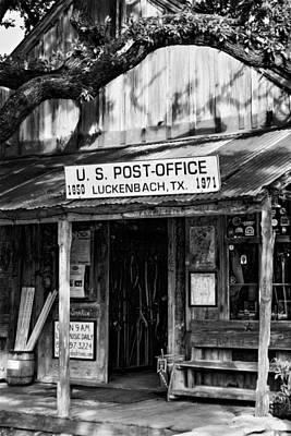 Luckenbach Photograph - Luckenbach Texas Bw by Joan Carroll