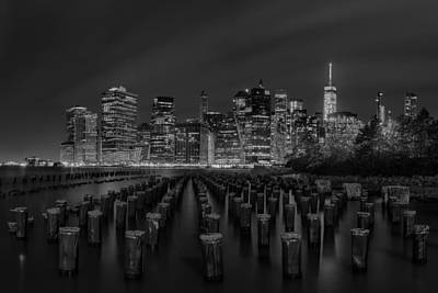 Manhattan And The Brooklyn Pileons In Black And White Print by Andres Leon