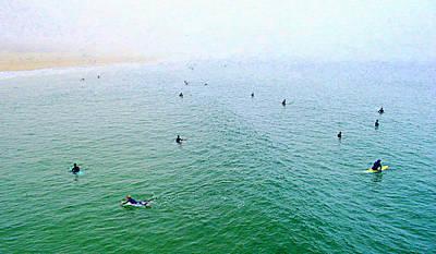 Spectators Digital Art - Manhattan Beach - Early Morning Surf by Glenn McCarthy Art and Photography