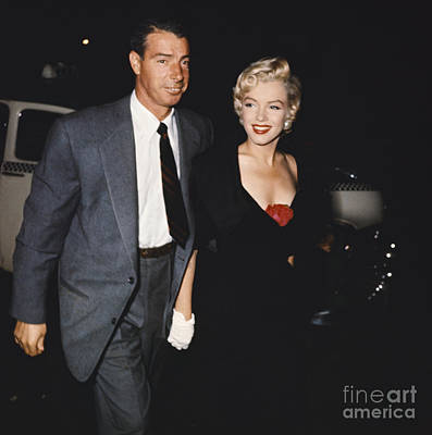 Photograph - Marilyn Monroe And Joe Dimaggio by Robert V Fuschetto