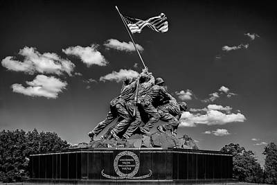War Memorial Photograph - Marine Corps War Memorial by Andrew Soundarajan