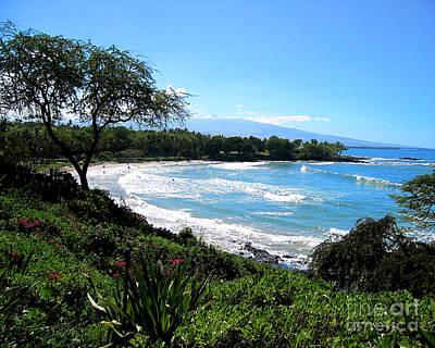 Mauna Kea Beach Print by Bette Phelan