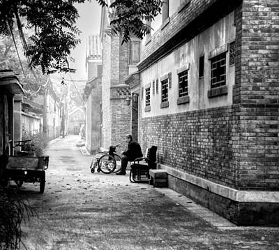 Old House Photograph - Maze Of Alleys by Cho Me