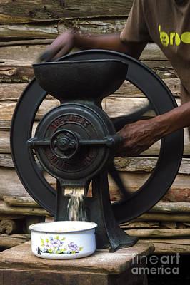 Mechanical Cereal Grinder Original by Morris Keyonzo