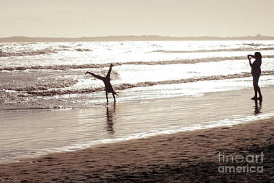 Cartwheel Photograph - Memories Are Made Of This by Linda Lees