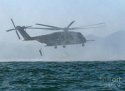 U.s. Navy Painting - Mh-53e Sea Dragon Helicopter by Celestial Images