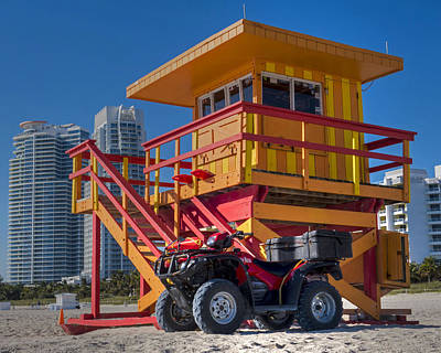 Miami Skyline Photograph - Miami Beach Lifeguard House Ocean Rescue by Toby McGuire