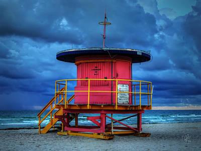 Miami - South Beach Lifeguard Stand 005 Print by Lance Vaughn