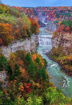 Middle Falls Of Letchworth State Park Print by Mark Papke