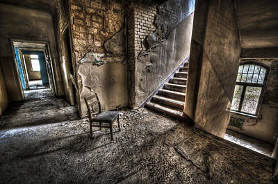 Haunted House Photograph - Middle Floor Seating by Nathan Wright