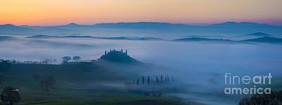 Misty Dawn In Tuscany Print by Brian Jannsen