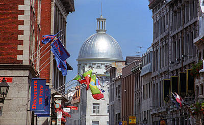 Old Montreal Photograph - Montreal Bonsecours Dome by Frank Romeo