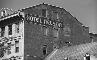 Old Montreal Photograph - Montreal - Hotel Nelson Bw by Frank Romeo