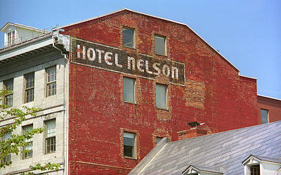 Old Montreal Photograph - Montreal - Hotel Nelson by Frank Romeo