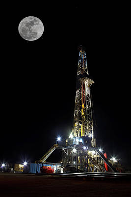 Gas Photograph - Moon Over Latshaw 10 by Jonas Wingfield