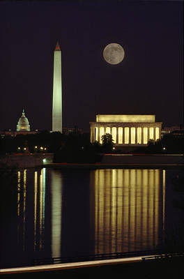 Washington Monument Photograph - Moonrise Over The Lincoln Memorial by Richard Nowitz