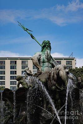 Neptune Statue Print by Stephen Smith