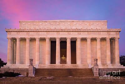 New Day At The Lincoln Memorial Print by Inge Johnsson