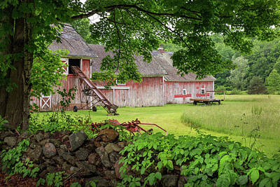 New England Summer Barn Print by Bill Wakeley