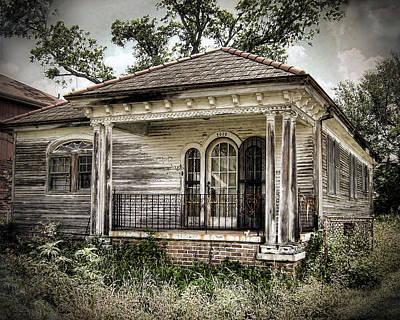 Old House Photograph - New Orleans House No. 7 by Tammy Wetzel