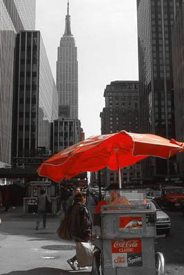 New York Street Sale - Highlight Print by Art America Online Gallery