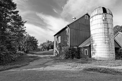 New England Dairy Farms Photograph - Newtown Barn Bw by Bill Wakeley