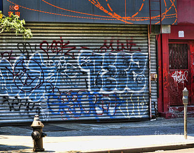 Nyc Graffiti Print by Chuck Kuhn
