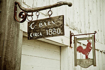 Old Barn Print by Andrew Kubica