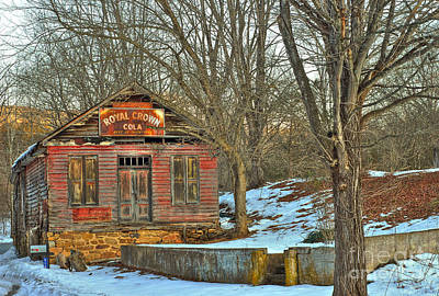 Kerr County Photograph - Old Building by Todd Hostetter