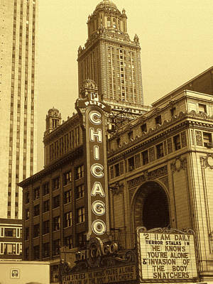Old Chicago Theater - Architecture Print by Art America Online Gallery