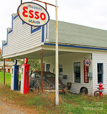 Esso Photograph - Old Esso Station  3839 by Jack Schultz