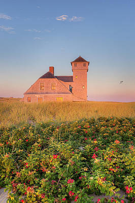 Old Harbor Life-saving Station Print by Bill Wakeley
