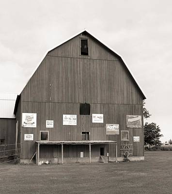 Chicken Photograph - Old Ohio Barn by Dan Sproul
