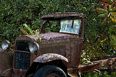 Old Rusty Print by Ross Powell