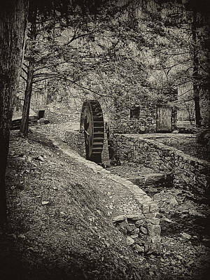 Old Water Wheel Print by Bill Cannon