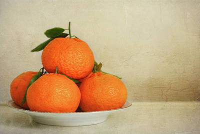 Food And Drink Photograph - Oranges by Annfrau