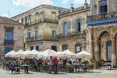 Caribbean Corner Photograph - Outdoor Restaurant In Cuba by Patricia Hofmeester